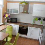 Как создать просторную и комфортабельную кухню в маленькой комнате