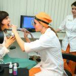 """Промывание миндалин в клинике """"Добробут"""" - особенность процедуры"""