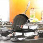 Кухонная посуда как подарок для хозяйки