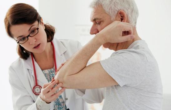 Врач ревматолог: что лечит и когда посещать?
