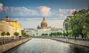 С семьей в Санкт-Петербург