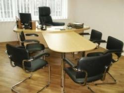 Зачем нужна в офисе мягкая мебель?